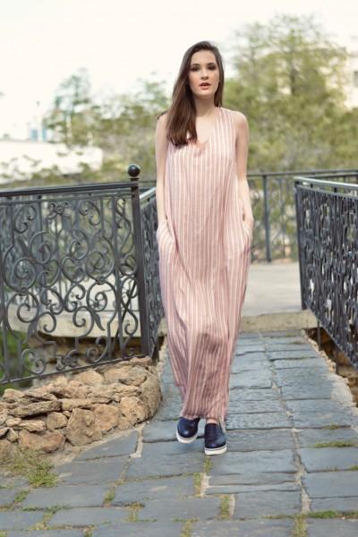 Платье полоска макси пудровое 40589