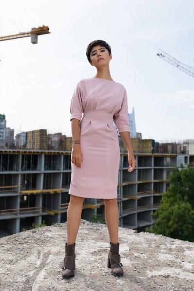 Платье приталенное розовое 40286