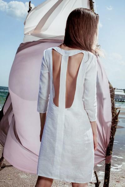 Платье белое с открытой спинкой 35191