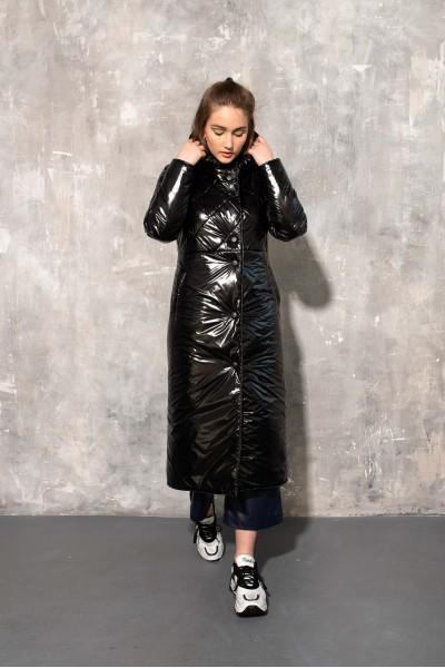 Демисезонное стеганое пальто черный глянец 40681