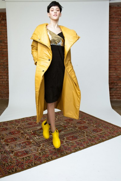 Пуховик длинный желтого цвета 40508